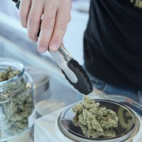 CannabisDispensaryGlassJarWeight